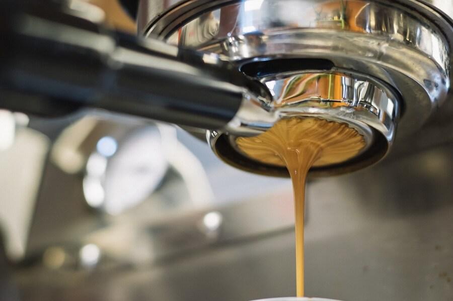 Ekspres do kawy robi zimną kawę
