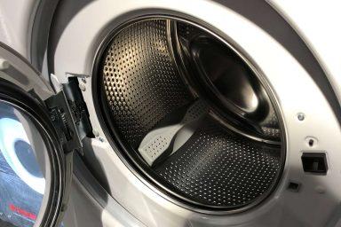 Dlaczego pralka brudzi ubrania?