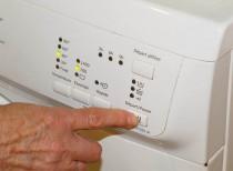 W-pralce-migają-kontrolki