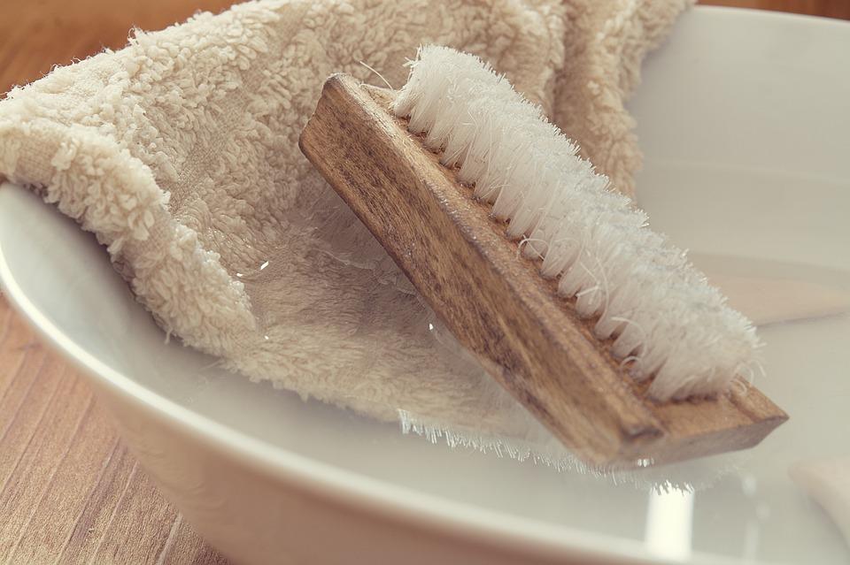 jak usunąć nieprzyjemny zapach z lodówki