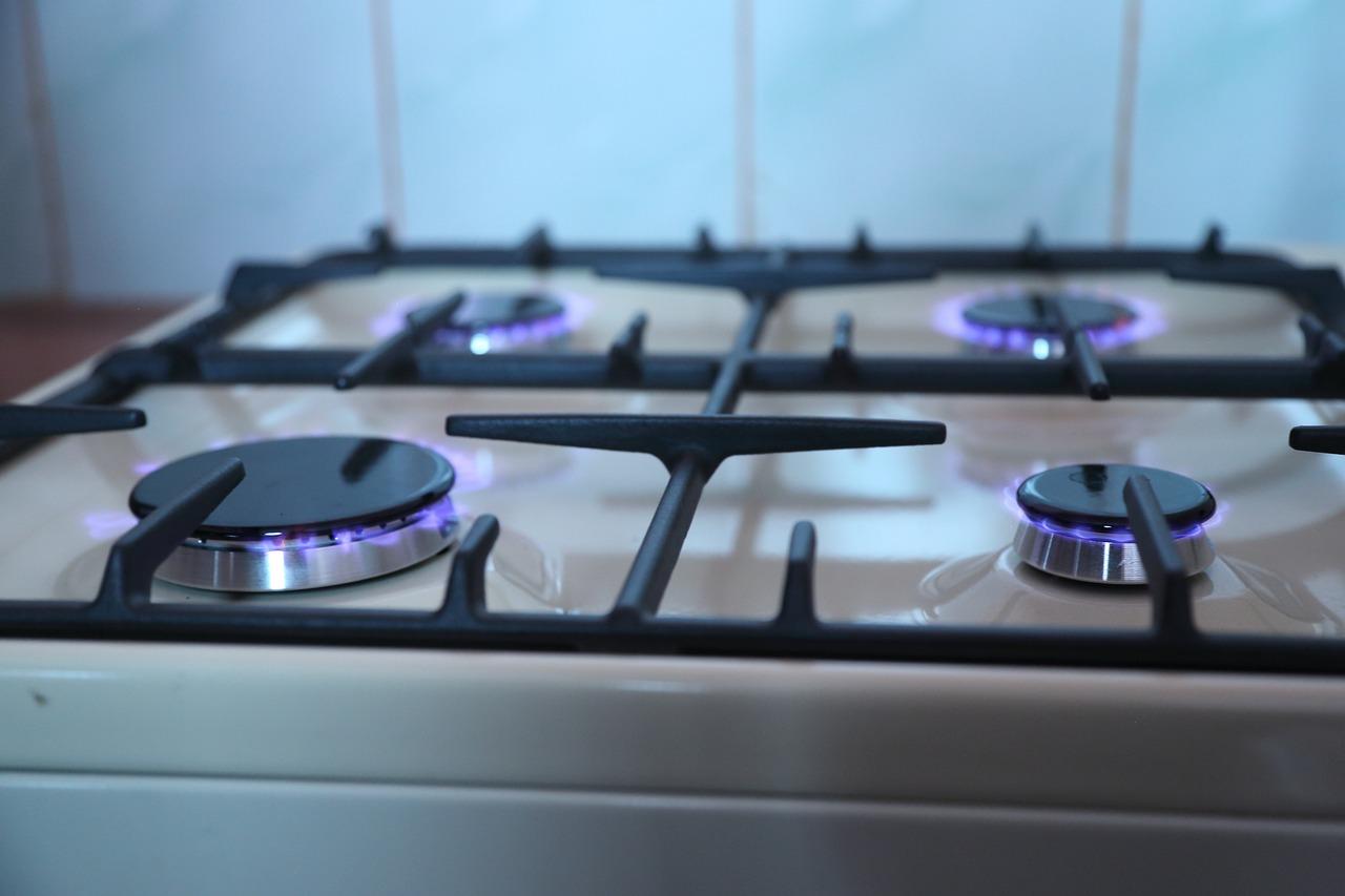Jak wyczyścić dysze w kuchence gazowej?