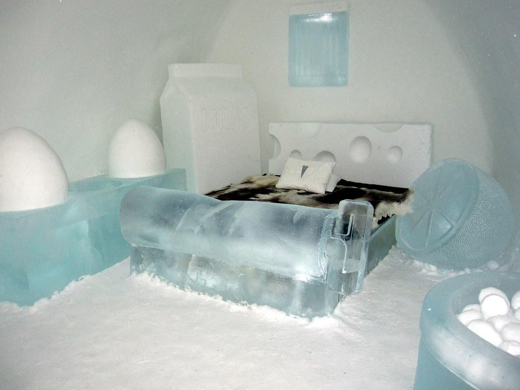 Dlaczego zbiera się lód w lodówce