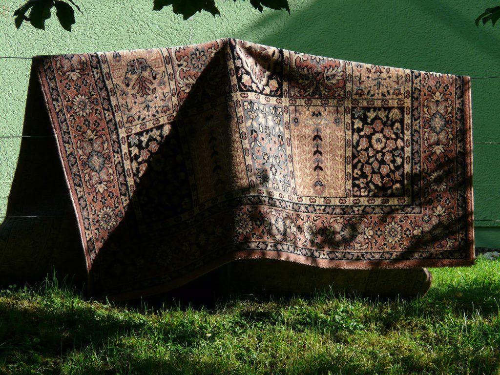 Czym wyczyścić dywan