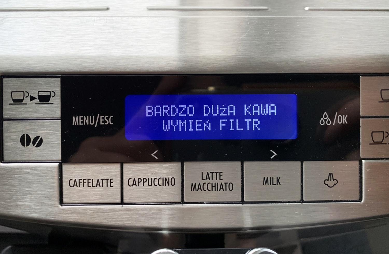 Jak wymienić filtr wody w ekspresie DeLonghi Primadonna
