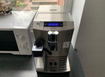 Wymiana filtra wody w ekspresie do kawy