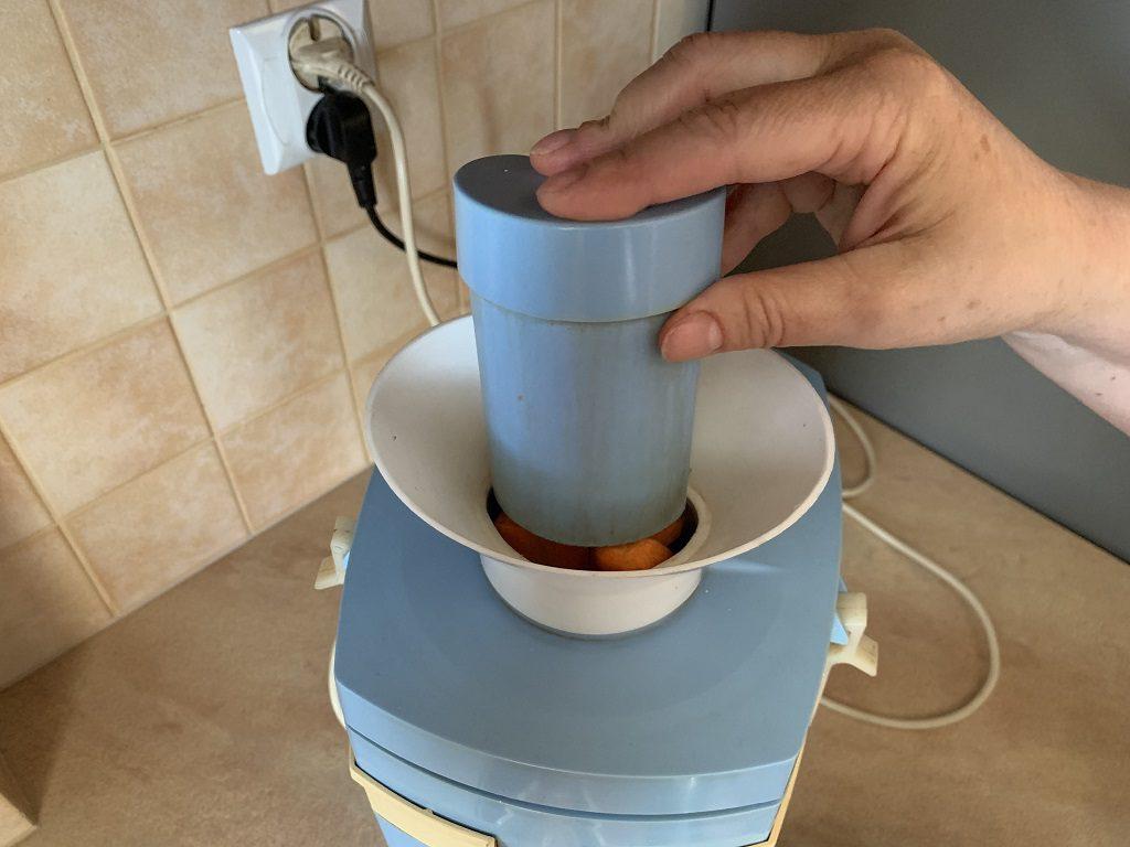 Przygotowanie soku w urządzeniu