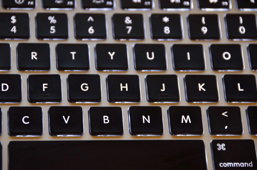Czym wyczyścić klawiaturę