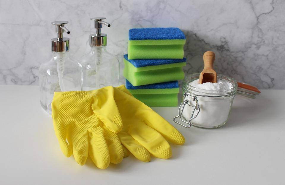 Czyszczenie sprzętów domowych po wakacjach