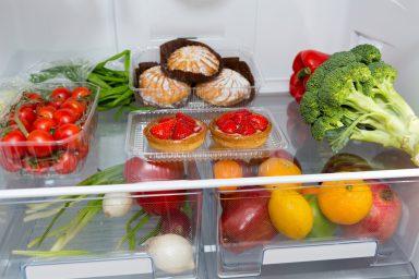Tryb wakacyjny w lodówce – na czym polega