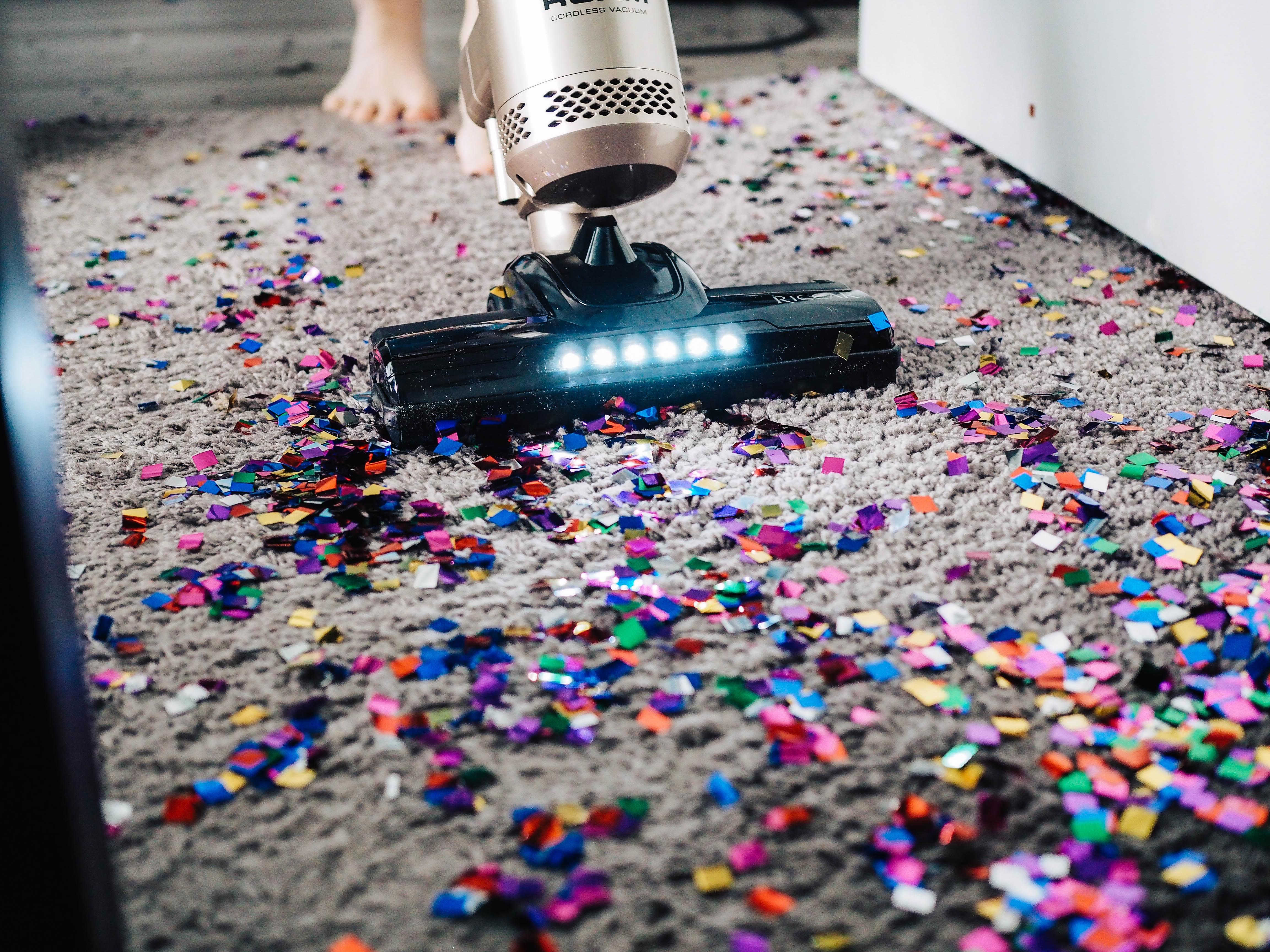 czym odkurzac dywan i inne powierzchnie w domu