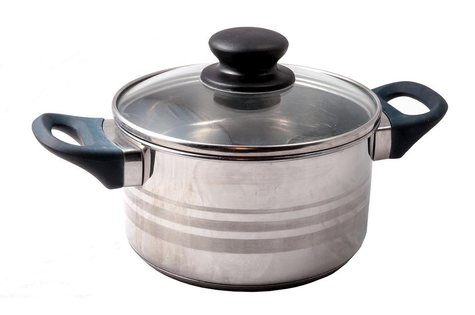 Garnki ze stali nierdzewnej są bardzo praktyczne w kuchni