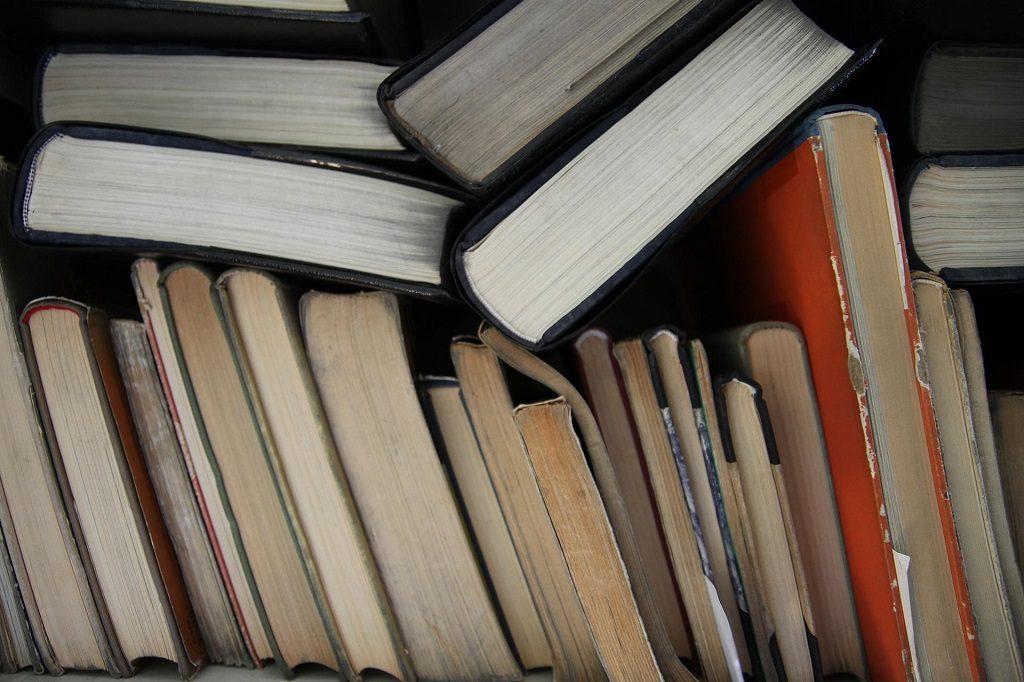 Pakowanie książek można zorganizować dużo wcześniej