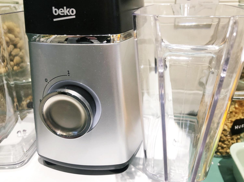 Wyciskarka wolnoobrotowa Beko SJA3209BX - recenzja