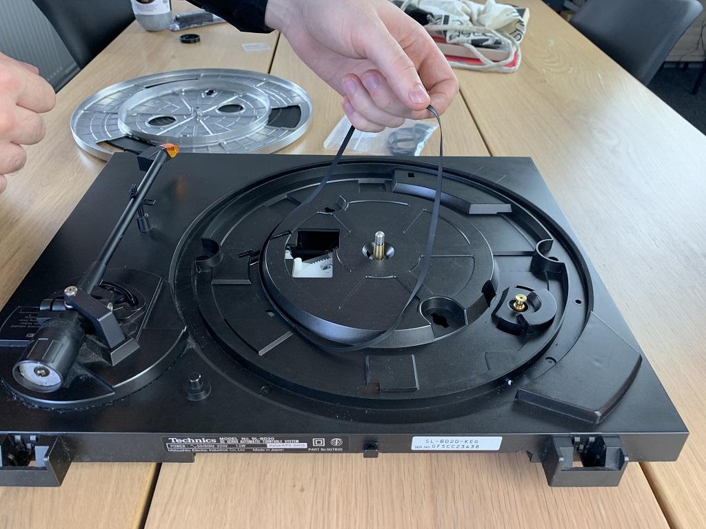 Jak wyczyścić gramofon?