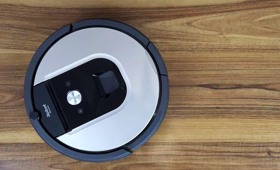 Jak wymienić filtr i szczotki w robocie iRobot Roomba i9