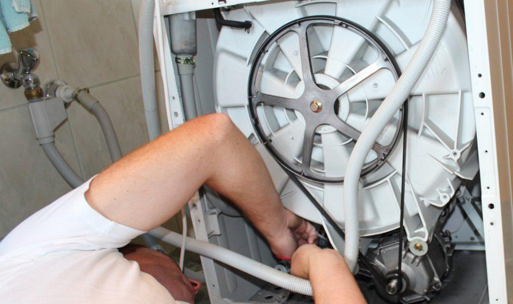 jak podłączyć pralkę