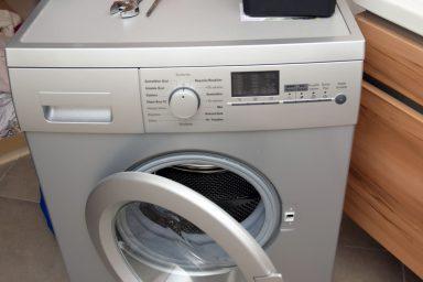 Jak-podłączyć-pralkę