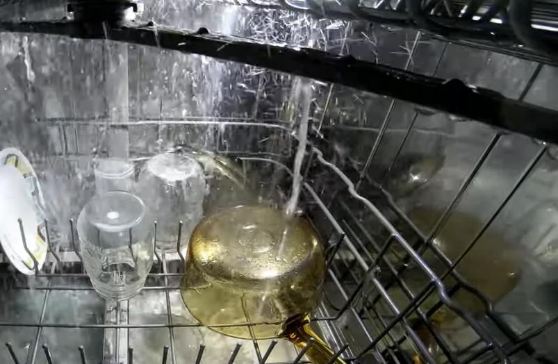 Jak działa zmywarka