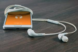 Telefon - narzędzie z podwójnymi głowicami