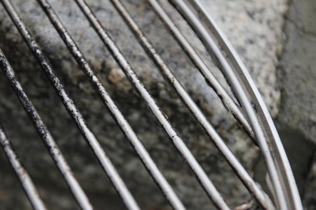 brudny grill, jak czyścić