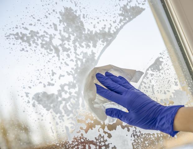 Czym umyć okna?