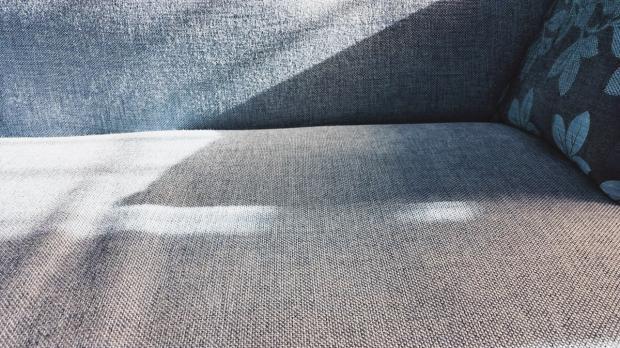 czyszczenie dywanów i tapicerki detergent