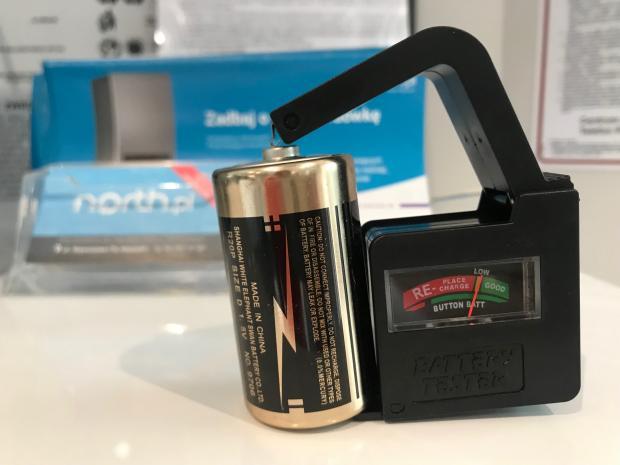 tester baterii alkalicznych, akumulatorów i litowych