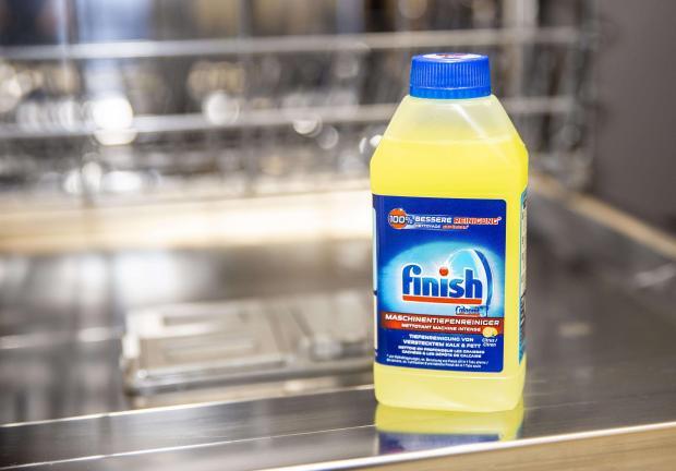 plyn do czyszczenia zmywarki Finish Lemon