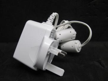 996510037783 SWITCHING POWER ADAPTER PHILIPS