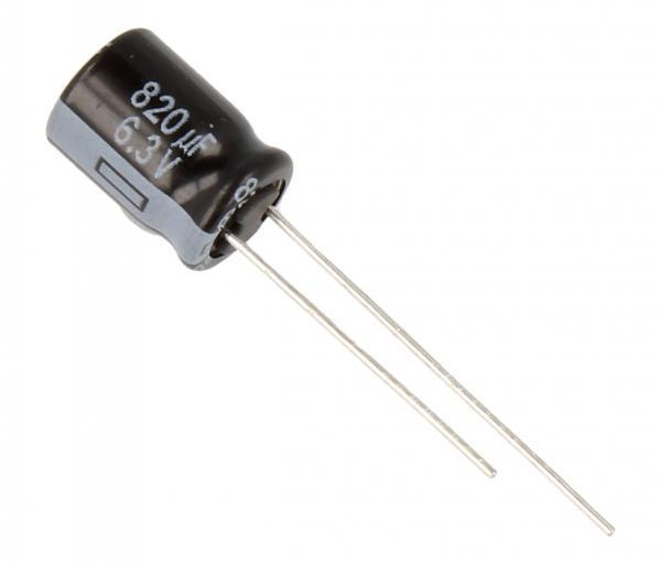 Kondensator elektrolityczny EEUFR0J821,0