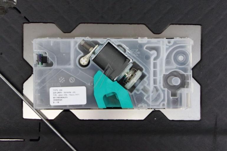 Wewnętrzna blacha drzwi z dolną uszczelką i dozownikiem detergentów do zmywarki Whirlpool 488000386638,4